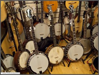 Banjos kindly provided by Hobgoblin Music